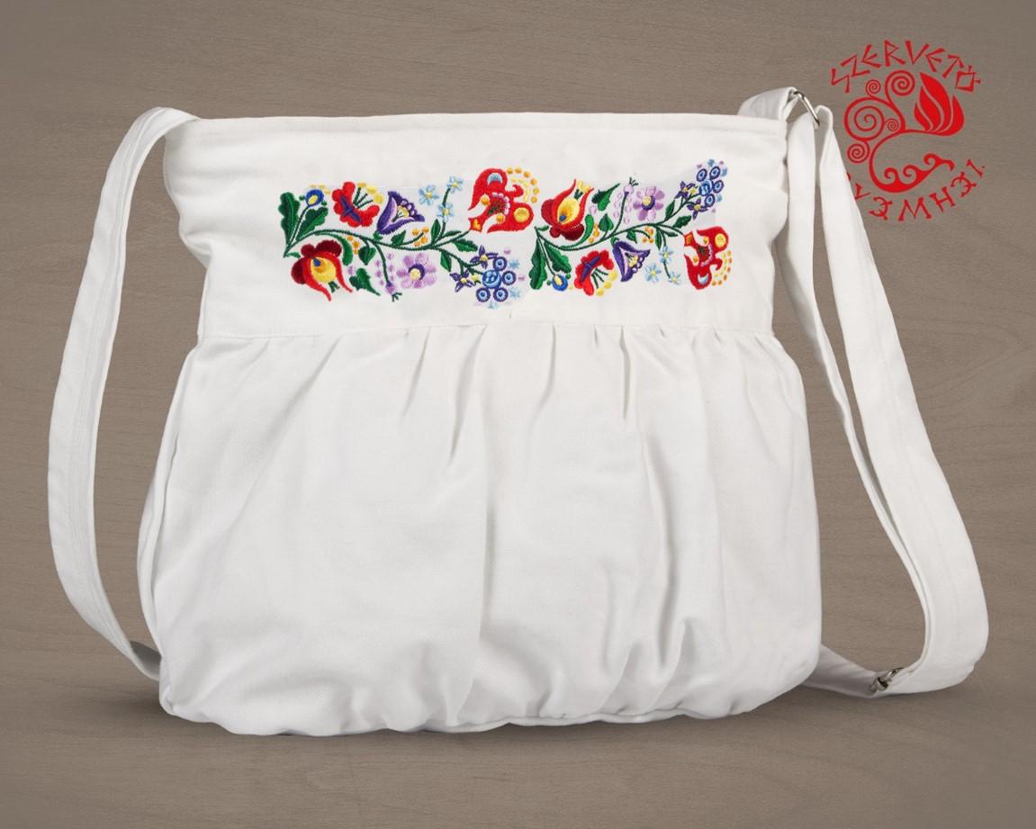 dfc0b1d1e5 Szervető-kalocsai buggyos táska - fehér | Táskák | Szervető webáruház
