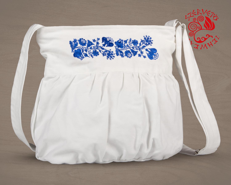 ecd74418a5 Szervető-kalocsai buggyos táska - fehér-kék | Táskák | Szervető ...